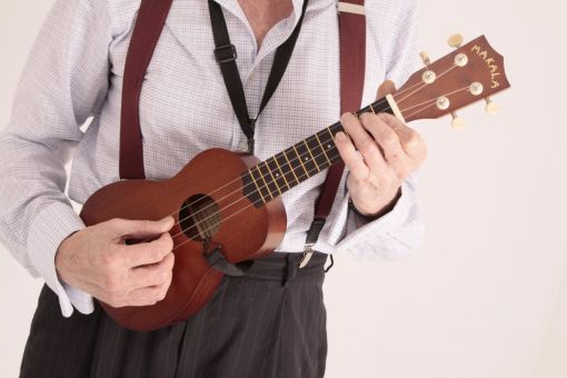 MAKALA SOPRANO UKULELE. A COMPLETE PACKAGE. EVERYTHING YOU NEED.